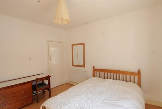 Bedroom 1F.JPG