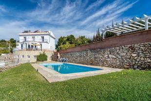 Villa for sale in Frigiliana, Málaga...