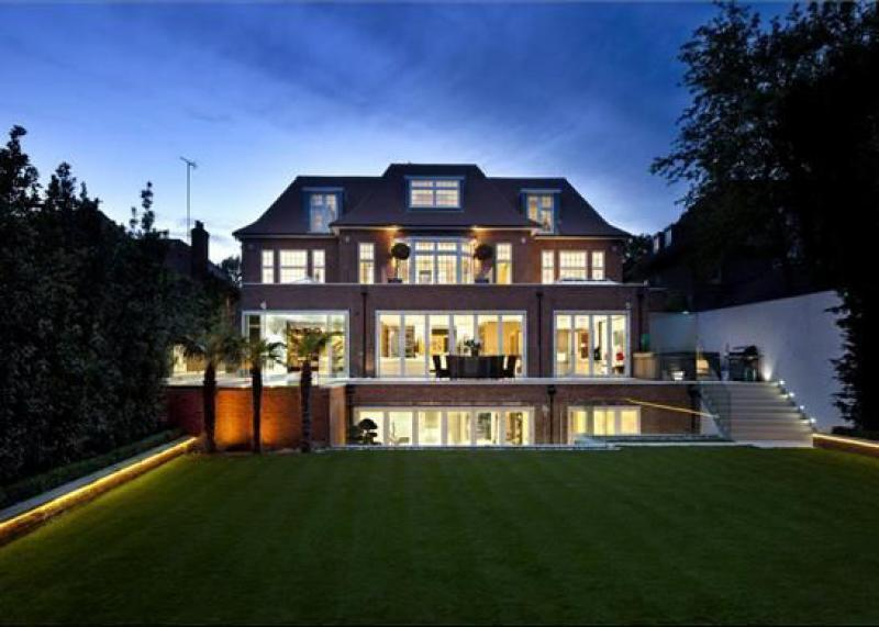 8 bedroom detached house for sale in the bishops avenue for Mansion houses for sale in london
