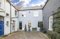 2 bedroom Mews for sale in PEMBRIDGE MEWS, W11