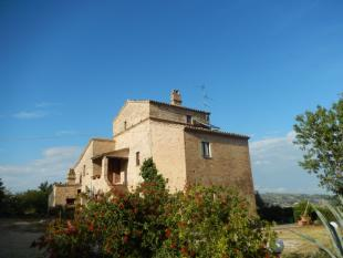 Country House for sale in Italy - Le Marche...