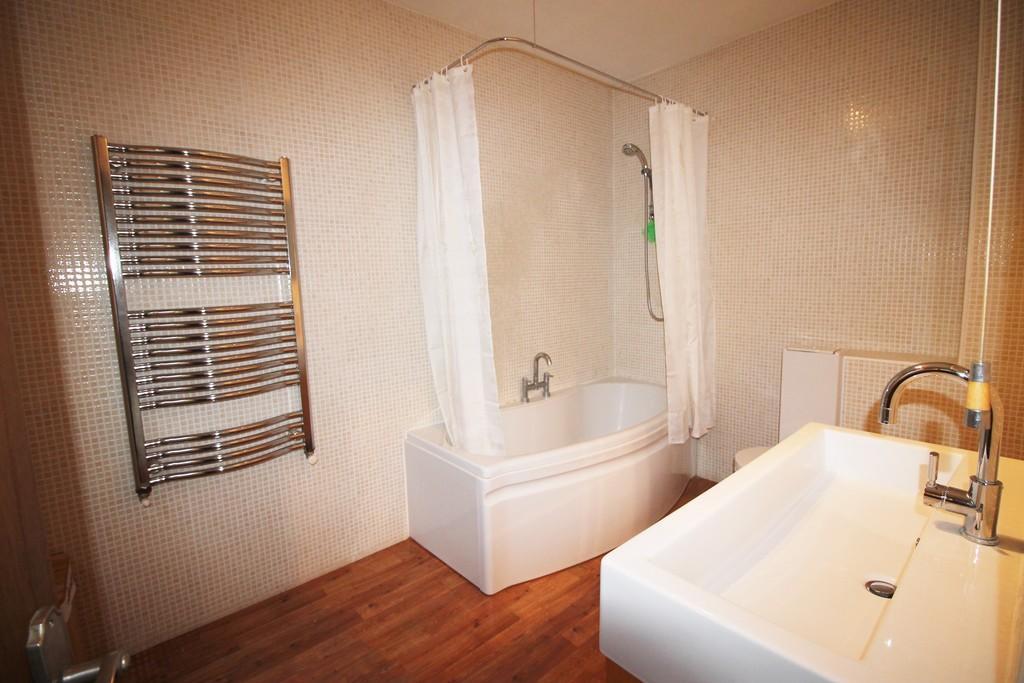 Bedroom 1 En Suit...
