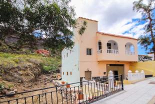6 bedroom Town House for sale in Mogan, Gran Canaria...