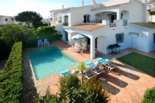 3 bedroom semi detached home for sale in Dunas Douradas, Algarve
