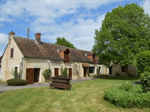 5 bed Farm House for sale in Pays de la Loire, Sarthe...