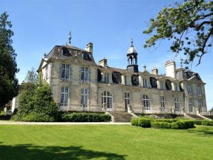 Castle in Le Mans, Sarthe for sale