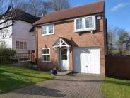 Detached property in Manor Estate, Apsley