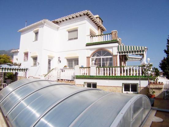 1240 villa pool (Med