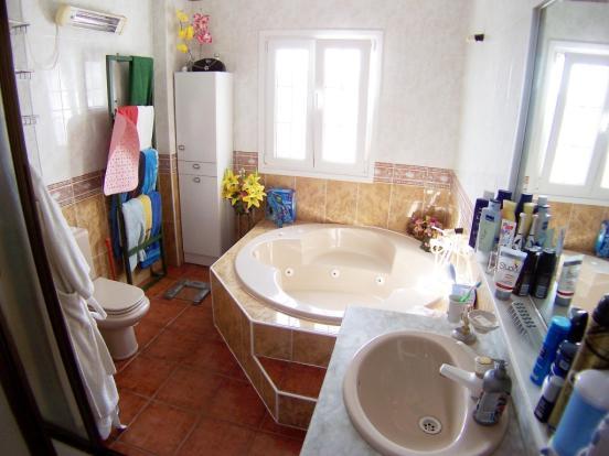 1240 bath1 (Medium)