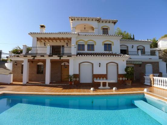 1449 villa2 (Medium)