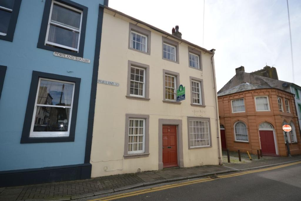 3 bedroom property to rent in portland street workington for Modern homes workington