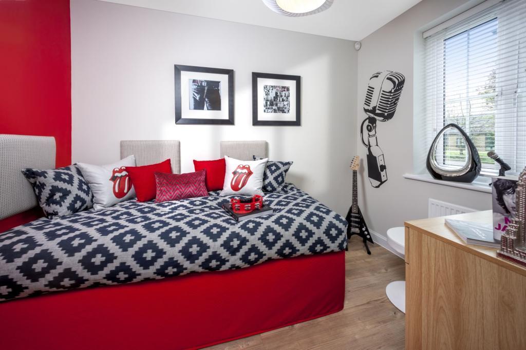 Good-sized bedroom