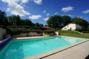Mézin Country House for sale