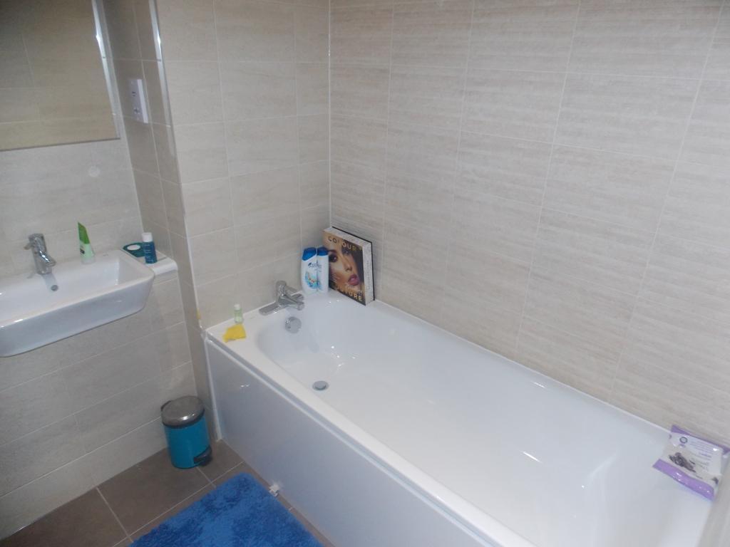 1229_2_lighterman_502_bathroom.jpg