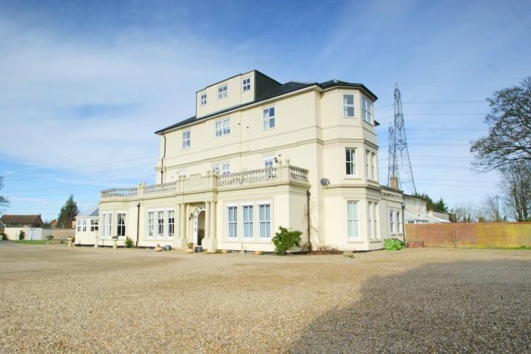 2 Bedroom Apartment For Sale In Aldringham Ip16