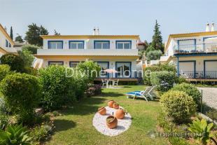 4 bedroom Villa for sale in Santa Bárbara de Nexe...