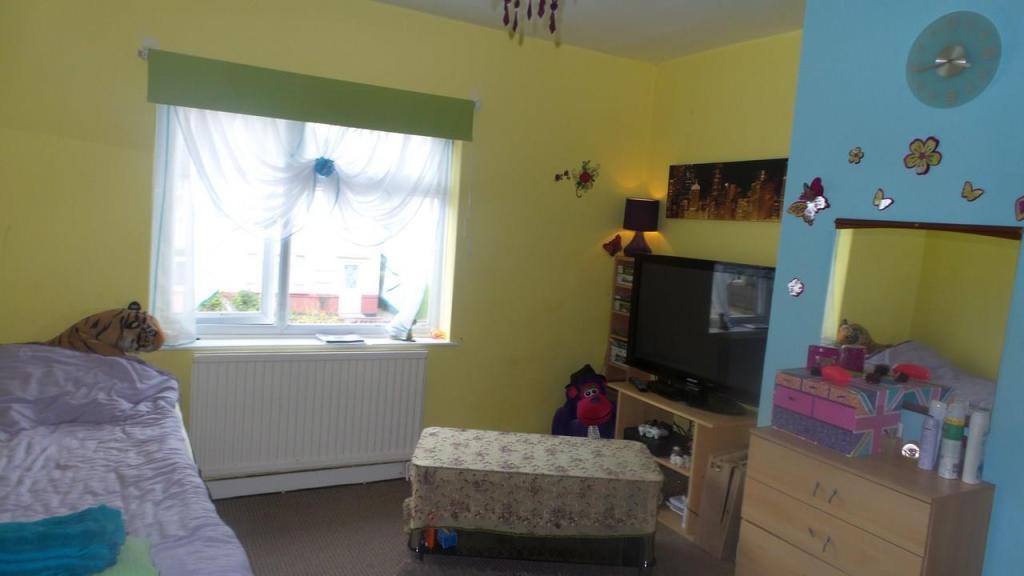 9 St James Bedroom 1