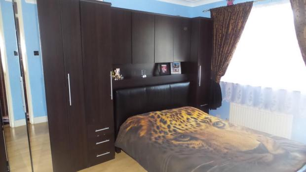Park Lane Bedroom 1.