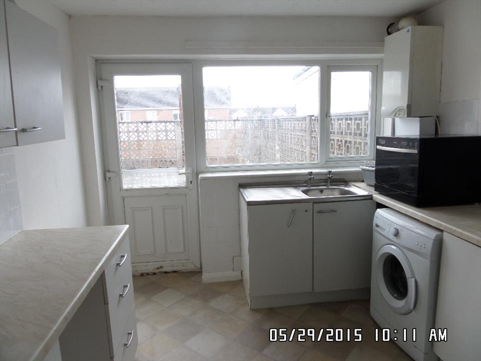 2 bedroom flat to rent in catcote road rift house for Best bathrooms hartlepool