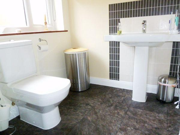 Master Refitted En-Suite