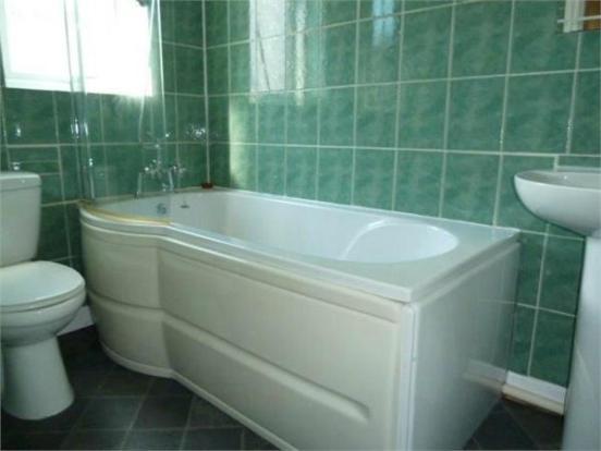 Flat Four Bathroom