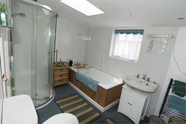 Cottage One - Bathr