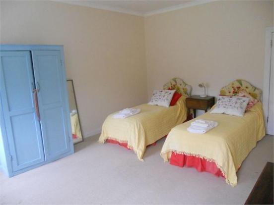 Alcedo Bedroom 8