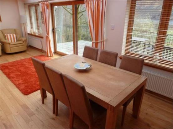 Sitting Room/Dining