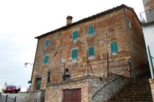 Town House for sale in Sarnano, Macerata...