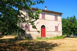 5 bed Farm House for sale in Le Marche, Macerata...