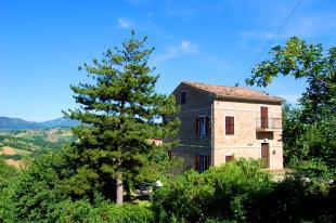 3 bed Cottage in Gualdo, Macerata...