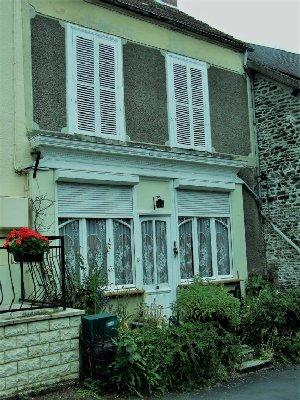 3 bed home in PONT D'OUILLY