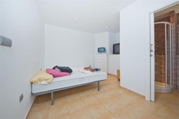 Fith bedroom