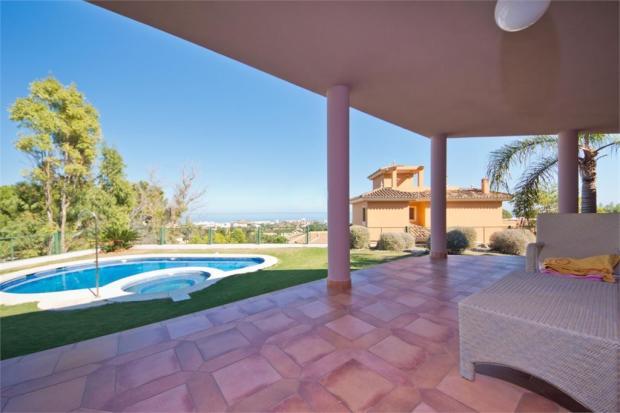 Terrace+pool+view