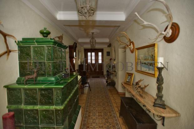 Hallway with Kachelofen