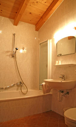 Modern bathroom image 3