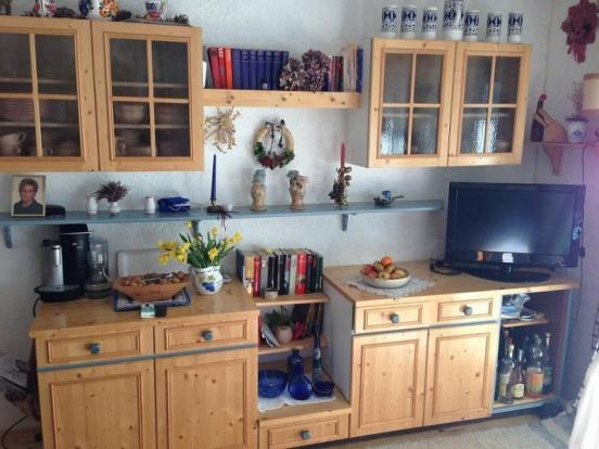 Traditional style wall unit