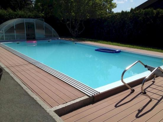 Pool with cover back
