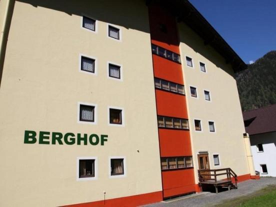 Berghof rear access