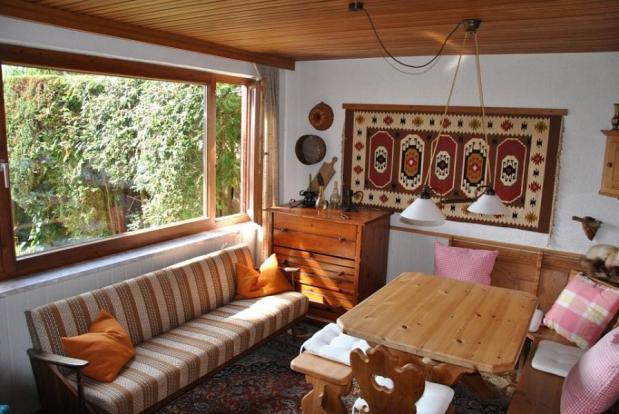 Corner dining area lower ground floor