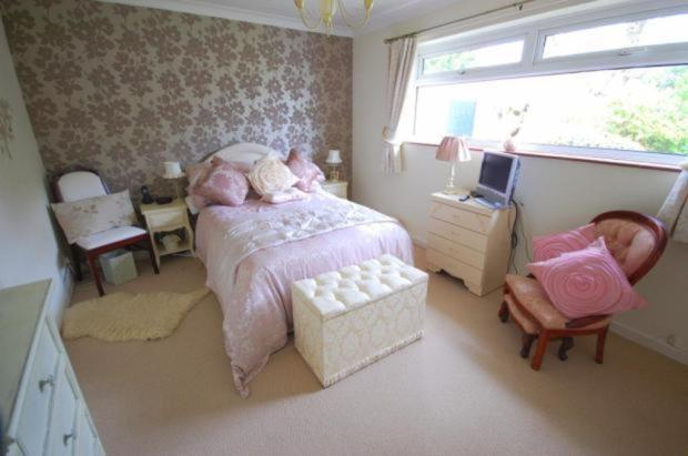 masterb bedroom