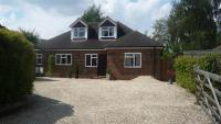 Detached Bungalow to rent in Marlow, The Orchard