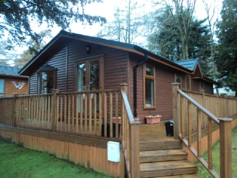 2 bedroom log cabin for sale in yewtree place mouswald for 2 bedroom log cabins for sale