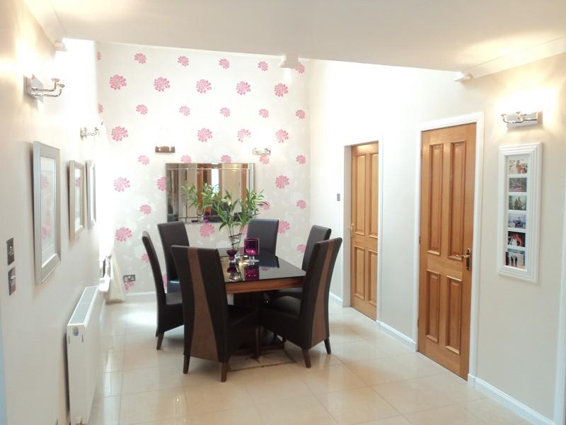 Hallway/Dining room