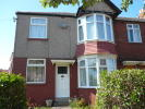 2 bed Ground Flat to rent in Closefield Grove...