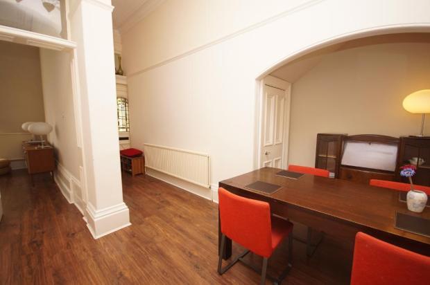 Dining/Entrance Hall