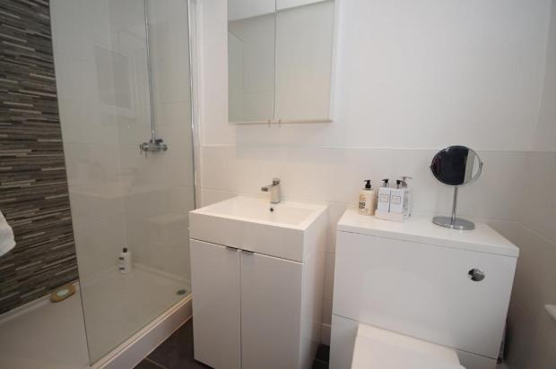 En Suite Shower Rm