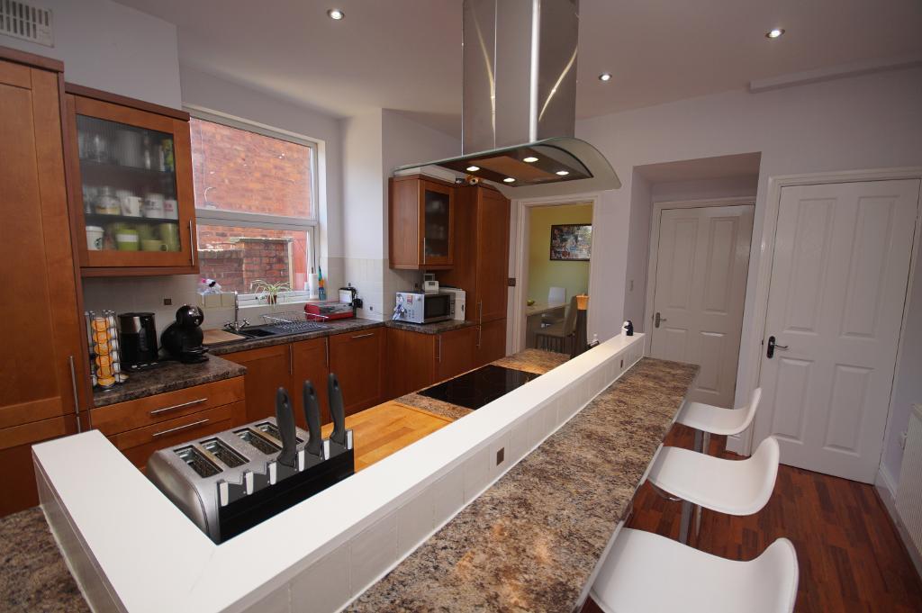 Breakfast/Dining Kitchen