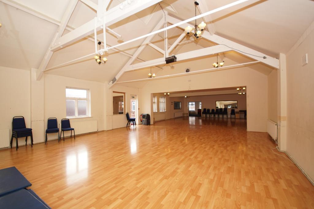 Mercial Property To Rent In Eastbank Street Southport
