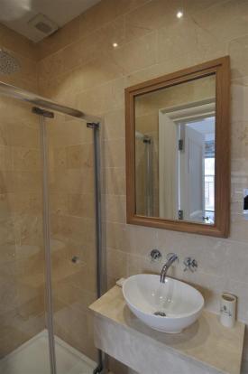 181 bath 2 (2).jpg